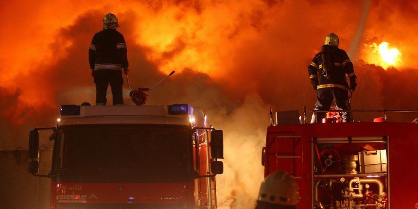 Veliki požar u tvornici opasnog kemijskog otpada u Sloveniji: uzrok se još uvijek utvrđuje
