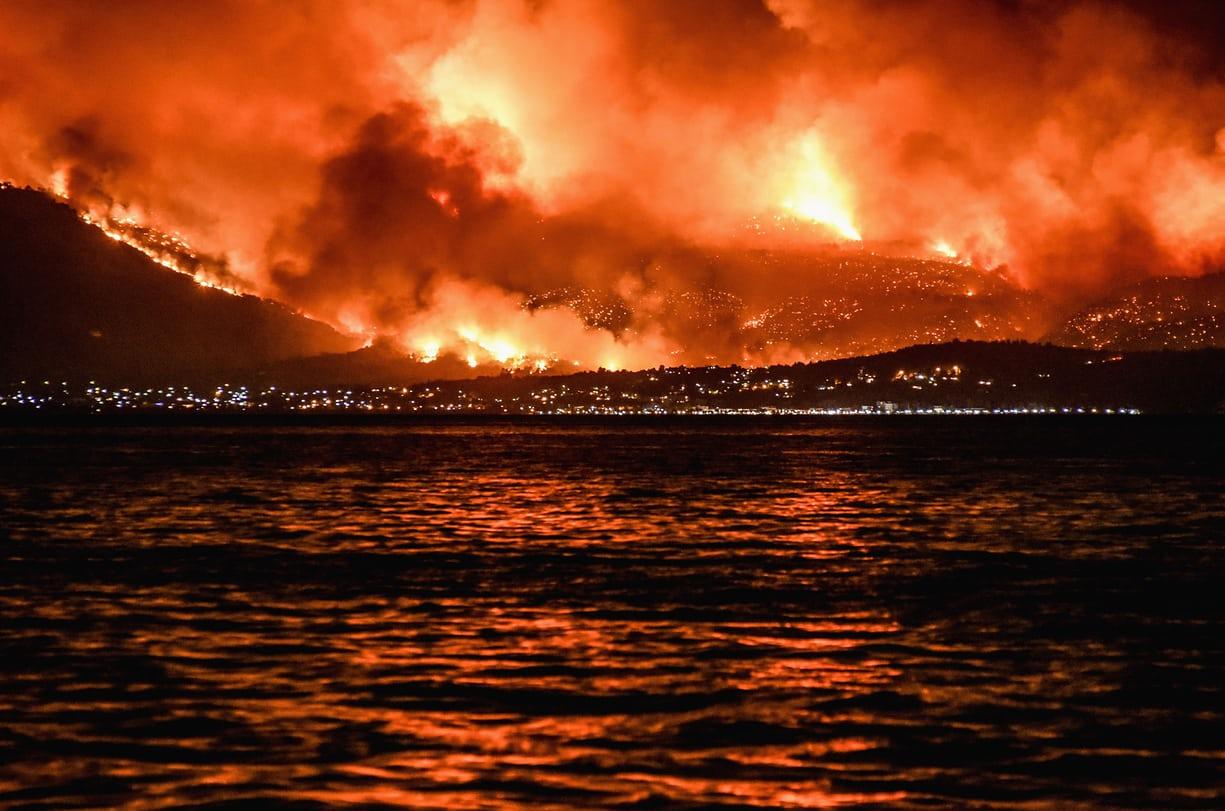FOTO: Požari raslinja u južnoj Europi uslijed vala topline – u slikama