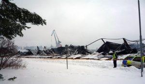 Ostaci skladišta tvrtke Dalbo Boats nakon požara