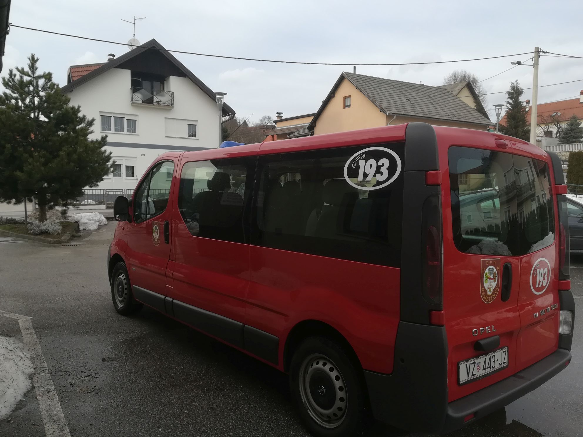 MALI OGLASI: Vatrogasno kombi vozilo Opel Vivaro