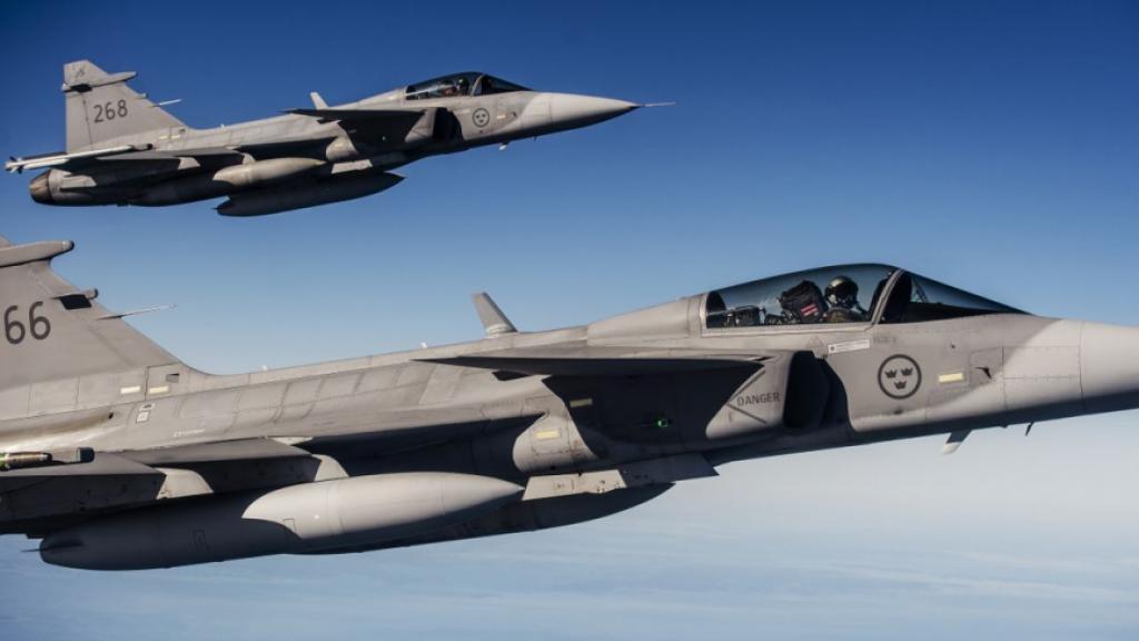 Časnik američkog ratnog zrakoplovstva poziva vatrogasce da primjenjuju švedsku metodu bombardiranja šumskih požara