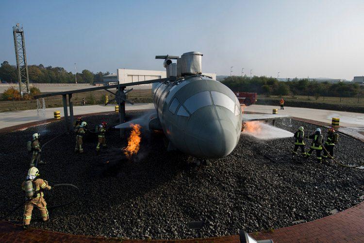 NJEMAČKA: Vatrogasci SAD-a i NATO-a zajednički se uvježbavaju