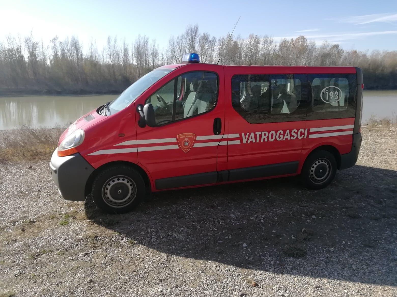 MALI OGLASI: Kombi vozilo Renault Trafic